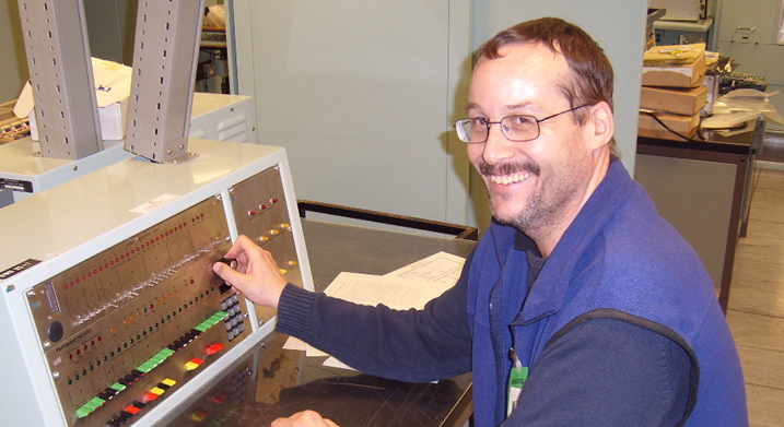 Steve Curl - Volunteer at the Centre for Computing History using the Ferranti FM1600E