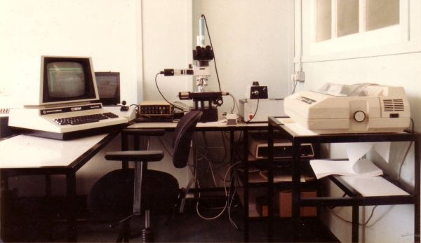 Commodore PET used with a microscope