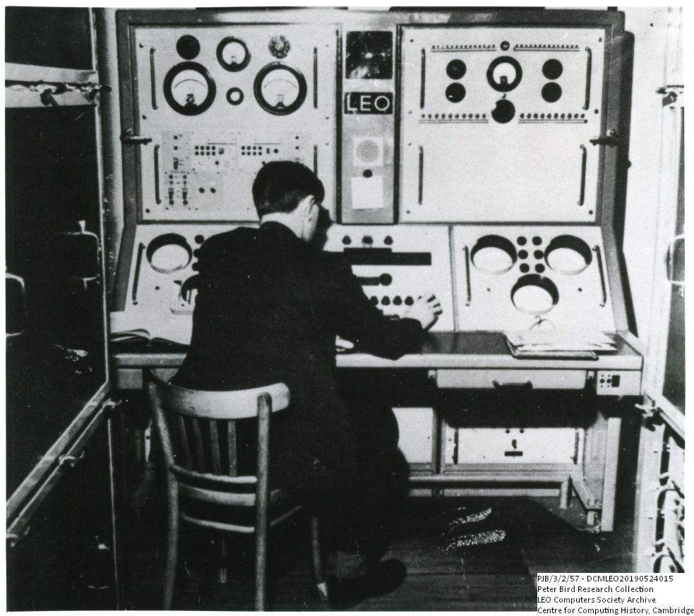 Photograph of 60737 John Pinkerton at the engineer's console of LEO I