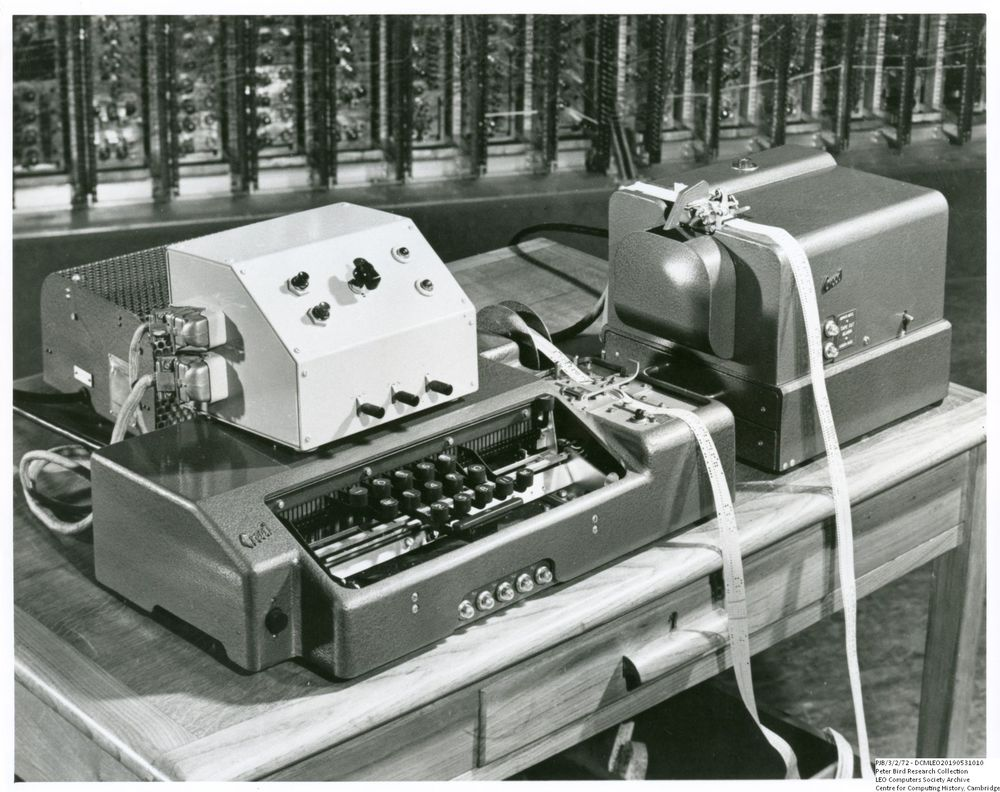 Photograph of 55581 Creed paper tape punch in situ on LEO II
