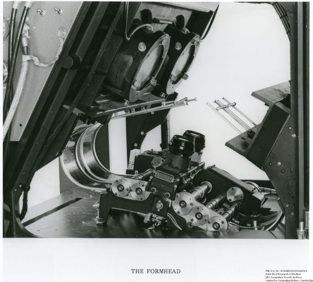 Photograph of 61088  Formhead of the Xeronic printer