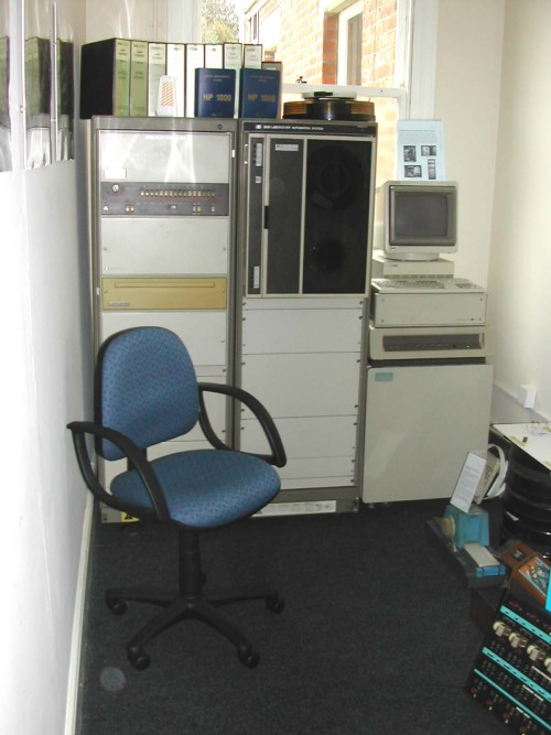 Photograph of HP 1000 computer