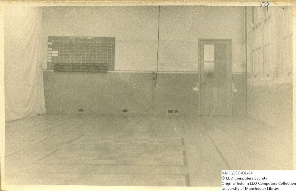 Photograph of 61875  LEO I - replacing the floor (1953)