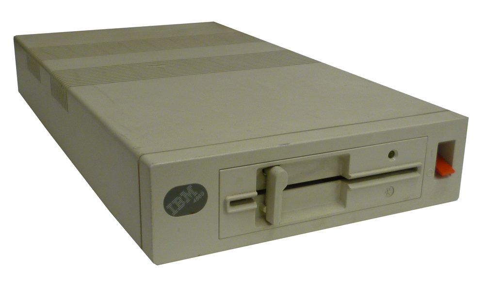 Scan of Document: IBM 4869 External Disk Drive