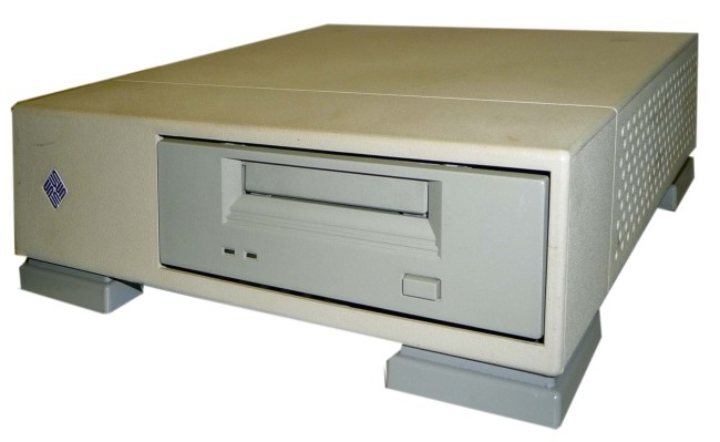 Scan of Document: SUN 411 with a HP C1539 dds2 Tape Drive