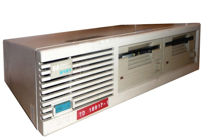 Scan of Document: HP 9121 Model D Double Disc Drive Unit
