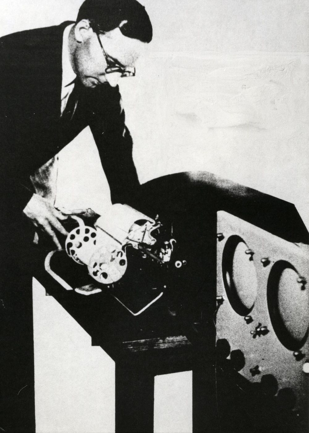 Photograph of 51858 Maurice Wilkes with EDSAC