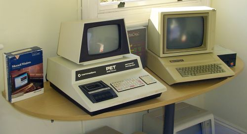 Photograph of Commodore_Pet_2001_and_Apple_IIe