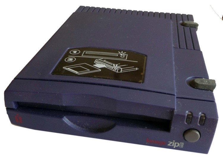 Scan of Document: Iomega Zip Drive 100 Parallel