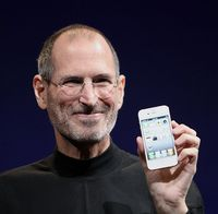 Steve Jobs retires as CEO of Apple