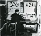 60737 John Pinkerton at the engineer's console of LEO I